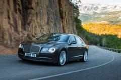 Bentley Flying Spur: Besonders auffällig bei der britischen Luxuslimousine ist das neue Heck mit den in Chrom eingefassten Rückleuchten. (Bild: PD)