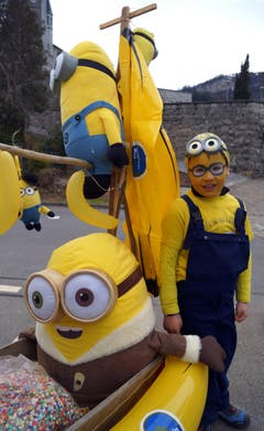 Überaus beliebt auch bei Lungerer Kids: Di Minions. (Bild: Romano Cuonz (Neue NZ))