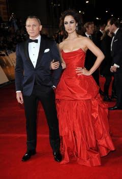 Daniel Craig mit Bond-Girl Berenice Marlohe. (Bild: Keystone)