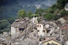 Ein Blick über Pescara del Tronto. (Bild: EPA / Cristiano Chiodi)