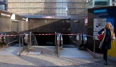 Die U-Bahn-Station vor dem Hauptsitz der EU ist geschlossen. (Bild: AP Photo / Virginia Mayo)