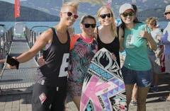 Alle wollten ein Bild mit Korina. (Bild: André A. Niederberger / Neue NZ)