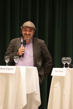 Bei Umwelt- oder Sozialfragen wurde hingegen Fagettis Sonderrolle als Linker offensichtlich: Als Einziger befürwortete der WOZ-Journalist Mindestlöhne oder das Stimm- und Wahlrecht auf Gemeindeebene für Ausländer, die schon zehn Jahre in der Schweiz leben. (Bild: Roger Zbinden / Neue NZ)