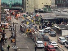 Die örtliche Nahverkehrsgesellschaft sprach von einem «schweren Unfall». (Bild: AP Photo/Joe Epstein)