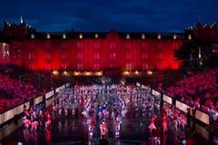«Massed Pipes and Drums» aus Schottland und «Canadian Celtic highland Dancers» (Bild: Keystone / Patrick Staub)