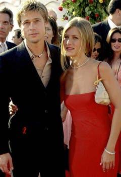 Gleich und gleich gesellt sich gern: Nach der Beziehung mit Gwyneth Paltrow ist Brad Pitt mit Jennifer Aniston liiert und heiratet die Schauspielerin im Jahr 2000. (Bild: Keystone)