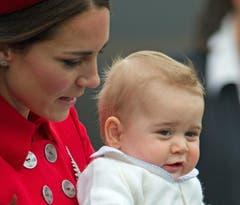 Für den kleinen Prinzen George ist es die erste grosse Reise. (Bild: Keystone)