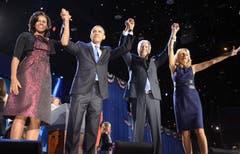 Jubel bei Michelle und Barack Obama sowie Vize Joe Biden mit Gattin Jill. (Bild: Keystone)