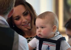 Prinz George hat mit seinen Eltern eine Krabbelgruppe besucht. (Bild: Keystone)
