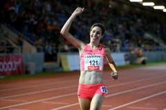 Fabienne Schlumpf gewinnt das 3000m Steeplerennen (Bild: Philipp Schmidli)