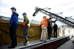 Vertreter von Firmen und der Behörden nahmen am Mittwoch einen Augenschein. (Bild: Corinne Glanzmann / Neue NZ)