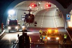 Hauptpreis - Swiss Press Photo of the Year - Laurent Gillieron - Bus Crash in Sierre am 14. März 2012. (Bild: Keystone)