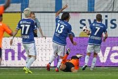 Nachdem Francesco Margiotta vom FCLS zum 1:1 ausgleichen kann, reklamiert die Luzerner Abwehr vergebens ein Offside. (Bild: Philipp Schmidli / Luzerner Zeitung)