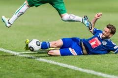 Jakob Jantscher von Luzern erobert einen Ball während dem Fussball Meisterschaftsspiel der Super League zwischen dem FC St. Gallen und dem FC Luzern am Sonntag, 22. Mai 2016, in der AFG Arena in St. Gallen. (Bild: (KEYSTONE/Sebastian Schneider))
