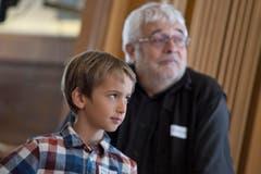 Casting zum Winnetour Freilichtspiel im Restaurant Wasserfall in Engelberg. Auf dem Bild zu sehen sind Matthäus Zurbuchen (Leiter Casting, Produktionsassistent) und Nils Frank. (Bild: Pius Amrein (LZ))