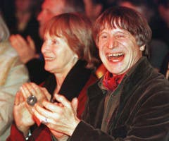 Die grosse Liebe: Dimitri und seine Frau Gunda 1998 in Wohlen. (Bild: Keystone / Christoph Ruckstuhl)