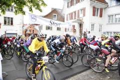 Der Start des Mountainbike-Rennens am Zugerberg. (Bild: Patrick Hürlimann (Neue Zuger Zeitung))