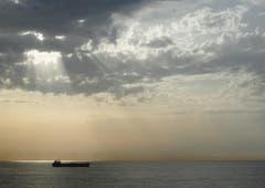 Morgenstimmung während der Hafeneinfahrt in Barcelona (Bild: Karin Buholzer)