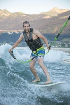Zu Gast war auch eine der weltweit talentiertesten Wakesurf Freestylerin ihrer Klasse (Bild: André A. Niederberger / Neue NZ)