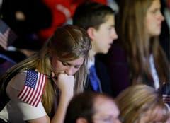Eine enttäuschte Supporterin von Mitt Romney. (Bild: Keystone)