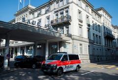 ... das Hotel Baur du Lac in Zürich. (Bild: Ennio Leanza / Keystone via AP)