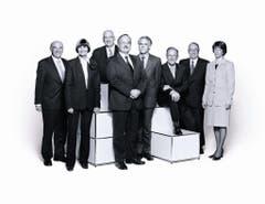 2005 (von links): Hans-Rudolf Merz, Micheline Calmy-Rey, Pascal Couchepin, Bundespräsident Samuel Schmid, Moritz Leuenberger, Josef Deiss, Christoph Blocher und Bundeskanzlerin Annemarie Huber-Hotz. (Bild: Bundeskanzlei / Marc Latzel)