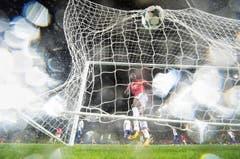 SWISS PRESS PHOTO 18 - 3. PREIS SPORT: TOTO MARTI - Romelu Lukaku feiert das 1:0 von Manchester United gegen den FC Basel. (Bild: (SWISS PRESS PHOTO/Toto Marti fuer Blick))