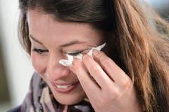 Bei ihrer Rücktrittsverkündung vergiesst Dominique Gisin Tränen. (Bild: JEAN-CHRISTOPHE BOTT)