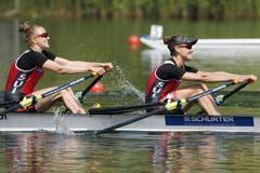 Die Schweizerinnen Patricia Merz (rechts) und Frederique Rol (links) im Leichtgewichts-Doppelzweier. (Double Sculls) (Bild: Keystone / Alexandra Wey)