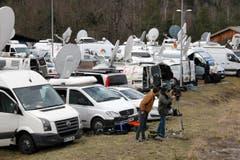 Grosses Medieninteresse in Seyne-les-Alpes, in der Nähe der Absturzstelle. (Bild: Keystone)