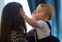 Prinz George ist ein kleiner «Coiffeur». (Bild: Keystone)