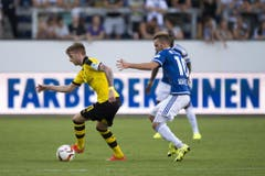 Dortmunds Marco Reus (links), verfolgt von Luzerns Jakob Jantscher. (Bild: Keystone / Urs Flüeler)