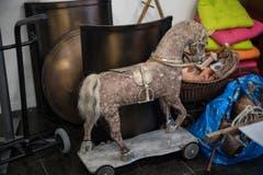 Neben Statuen soll auch ein echtes Pferd über die Bühne rennen. (Bild: Boris Bürgisser)