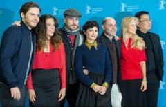 Die Jury der Biennale: (von links): Daniel Bruehl, Claudia Llosa, Jurypräsident Darren Aronofsky, Audrey Tautou, Matthew Weiner, Martha De Laurentiis und Bong Joon-ho. (Bild: Keystone)