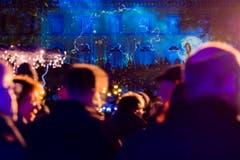 Jeden Abend wird den Besuchern kostenlos während einem einstündigen Durchgang eine Ton- und Lichtshow geboten. (Bild: Keystone / Cyril Zingaro)