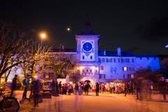 3-4 weitere Lichtinszenierungen in der Altstadt werden von Profis durchgeführt. (Bild: Keystone / Cyril Zingaro)