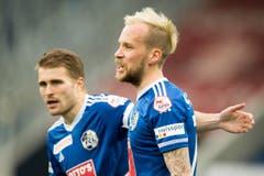 Markus Neumayr (rechts) und Claudio Lustenberger feiern das Penalty-Tor zum 1:0. (Bild: Keystone / Urs Flüeler)