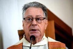 Der Wallfahrtspfarrer Albert Fuchs predigt. (Bild: Romano Cuonz)