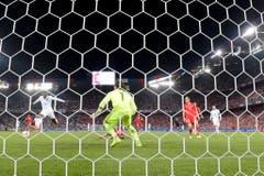 Danny Welbeck bring England 1:0 in Führung. (Bild: Keystone/Peter Klaunzer)