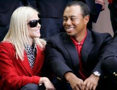 Dieses Ehepaar gibt es nicht mehr: Profi-Golfer Tiger Woods - mittlerweile mit US-Skistar Lindsey Vonn liiert - betrog Gattin Elin Nordegren und musste ihr 100 Millionen Dollar überweisen. (Bild: Keystone)