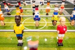 Verschiedene Töggelikasten laden die Besucher ein, sich im Fifa-Museum zu verweilen. (Bild: Keystone / Ennio Leanza)
