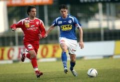 2007: Gerardo Seoane (rechts) kehrt nach Jahren in Sion, La Coruña, Aarau und bei den Grasshoppers zum FC Luzern zurück. (Bild: Philipp Schmidli)