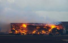 Bisher kamen in den Flammen im Bundesstaat South Australia zwei Menschen ums Leben, 16 wurden verletzt. (Bild: Keystone)
