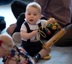 Prinz George war der Star in der Krabbelgruppe. Es war wohl sein einziger öffentlicher Auftritt in Neuseeland. (Bild: Keystone)