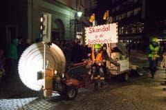 Der Skandal an der Bodäkurvä wird von den Hegä Hüttä aufgegriffen. (Bild: Edi Ettlin / Neue OZ)
