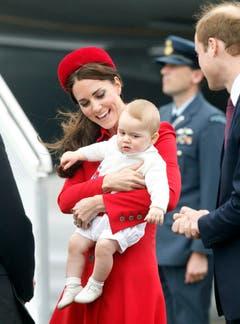 Prinz George schaut noch etwas kritisch. (Bild: Keystone)