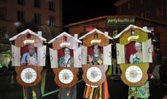 Maskierte aus Nah und Fern kamen ins Klosterdorf. (Bild: René Hensler, maeuderball.ch)