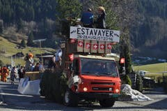 Einer der vier Umzugswagen zeigte Schweizer Tradition. (Bild: Birgit Scheidegger (OZ))