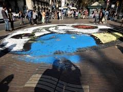 Seit dem Anschlag in Barcelona vom 17. August 2017 bewegt man sich hier in der Ramblas, ob man will oder nicht, doch etwas sensibilisierter. (Bild: Margrith Imhof-Röthlin)
