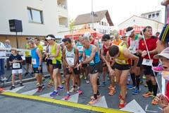 Läufer am Start: Wer kann (mit Kondition, Strategie, Willenskraft) auftrumpfen? (Bild: Jakob Ineichen / Neue LZ)
